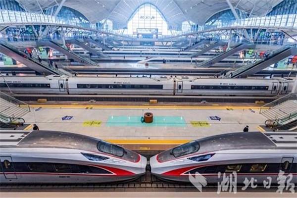 武漢站日最高開行客車達473列