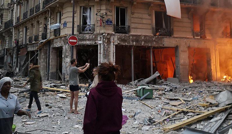 法国巴黎一家面包店发生严重爆炸 警方:由燃气泄漏导致