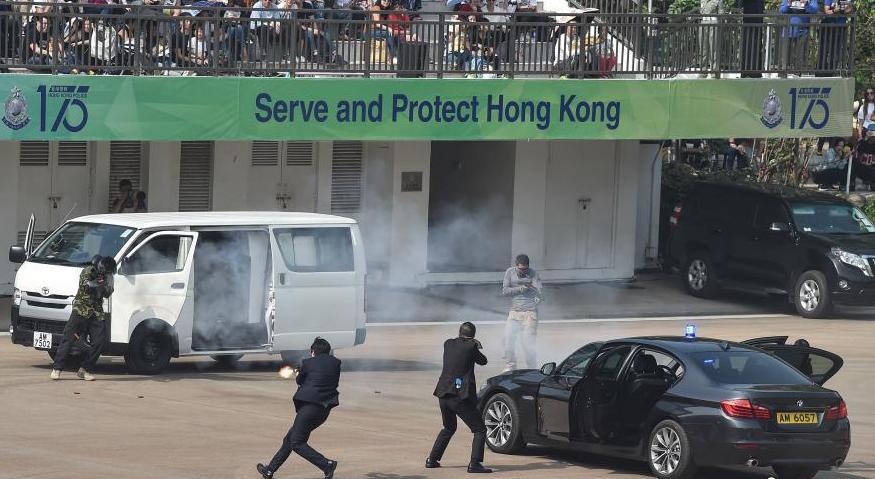 香港警队汇演 菁英部门亮相反恐演习