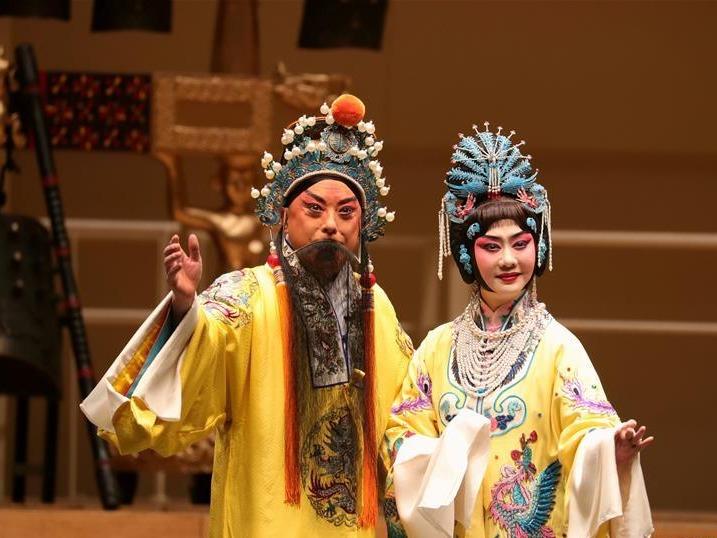 悠扬古乐声 欢喜中国年——中国编钟和京剧在美演出