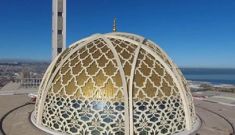 2千多名建设者春节不歇息 在鄂央企承建的非洲最高建筑完工