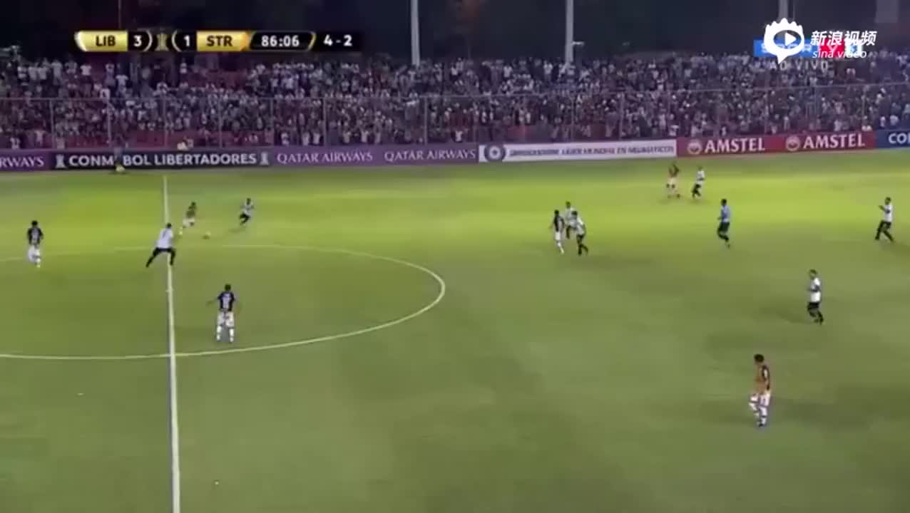 解放者杯惊现半场吊门 巴拉圭国脚断球后盲射
