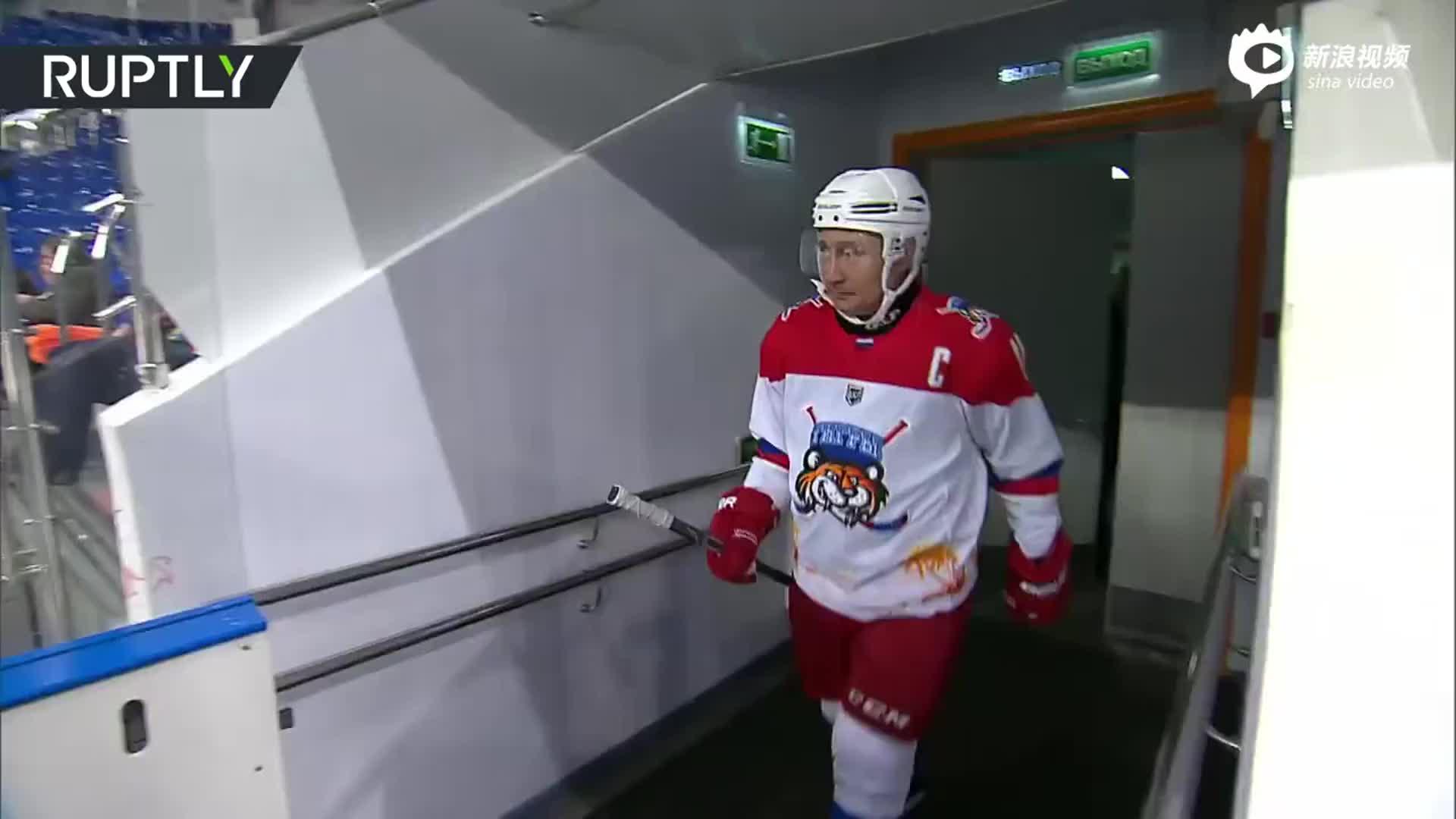 真运动达人普京 就算受伤也不能阻止他打冰球