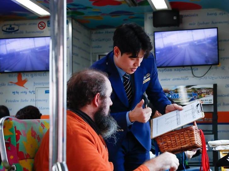 """等待绿灯的""""和平列车""""——在第二次""""金特会""""前探访朝韩边境列车"""