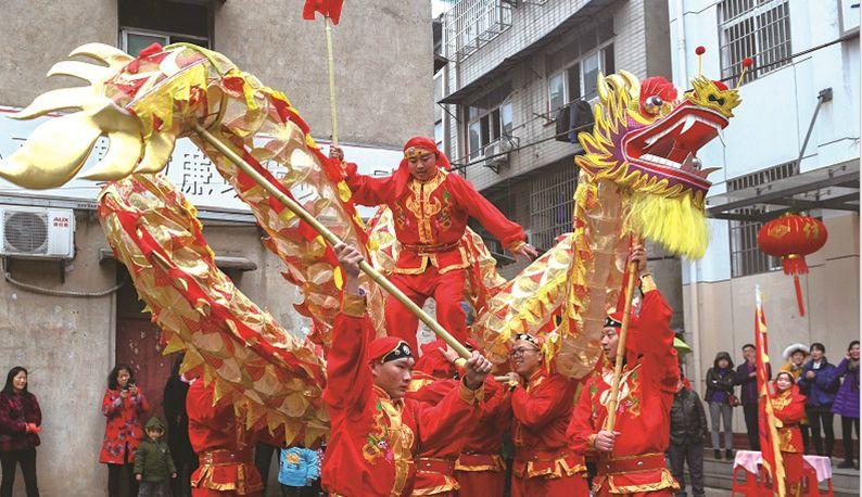武汉二雅社区:双龙点睛待起舞