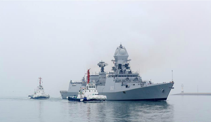 来华?#28205;?#22810;国海军活动的外国军舰抵达青岛