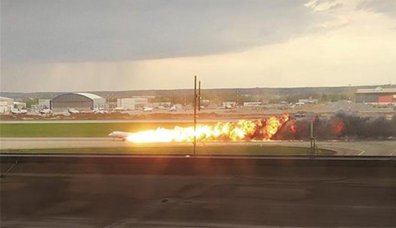 俄客机起火致41人遇难