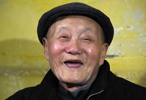 """东湖观点:""""深藏功名践初心""""是生动教材"""