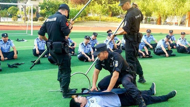 湖北襄阳:送警务实战技能到一线