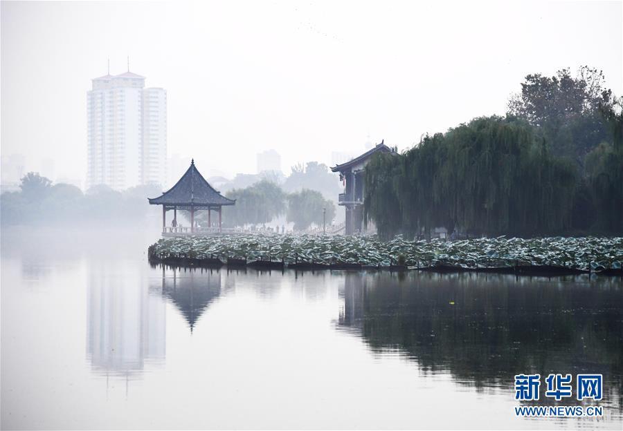 """""""""""水墨""""大明湖"""
