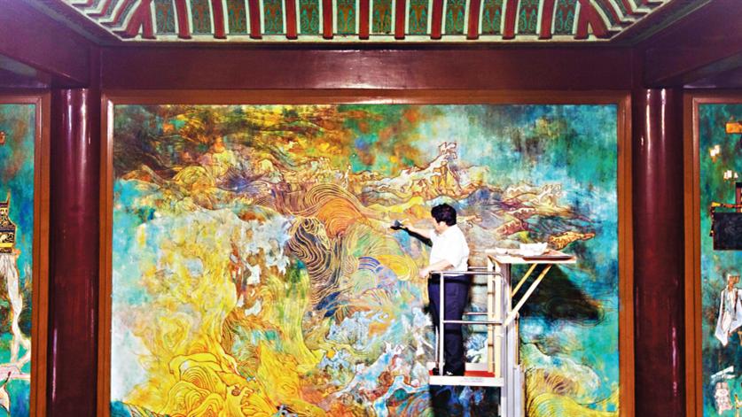 艺术家楼家本亲手修复36年前原作 黄鹤楼10幅大型壁画焕彩重生
