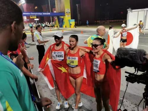 三面国旗同时升起!中国包揽世锦赛女子20公里竞走前三