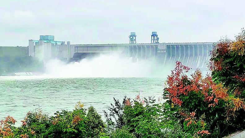 秋汛洪水灌满丹江口水库 南水北调中线满负荷输水