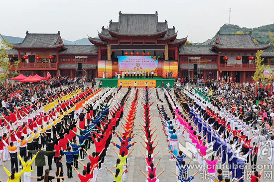 """全国农民广场舞大赛""""闹热""""夷陵乡村(图)"""