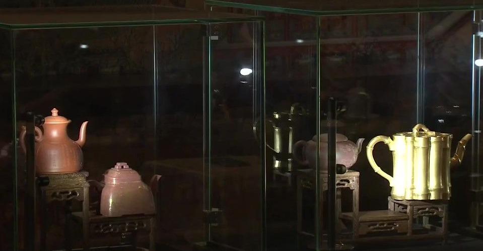 """北京故宫耗时三年再现六款""""乾隆紫砂壶"""""""