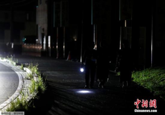 """""""日本千叶县因台风大面积停电 逾33万户居民仍受影响"""