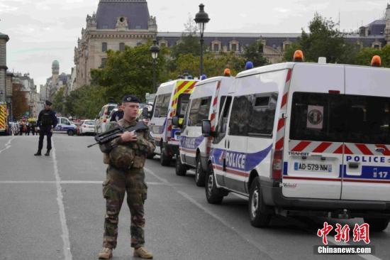 巴黎警局袭击案5名嫌疑人被捕 警务人员极端化引忧