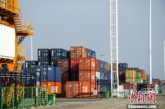 广东前三季度外贸同比下降 民企活力不断增强