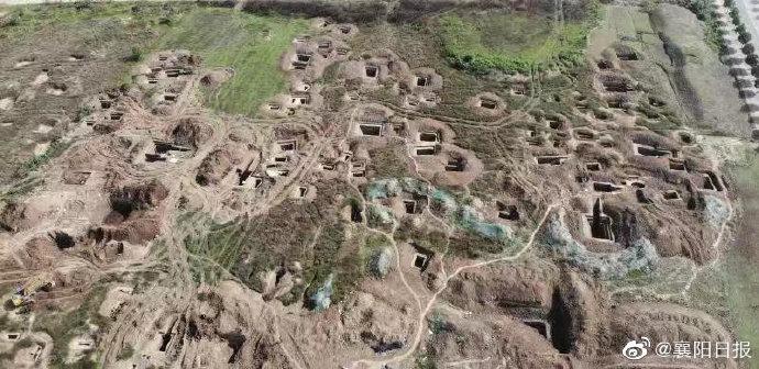 襄阳发现东周墓葬群 出土400余件文物