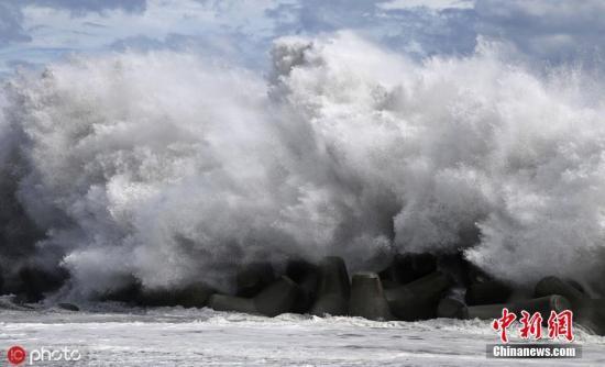 """""""台风逼近日本:狂风暴雨要来 首都圈将大规模停运"""