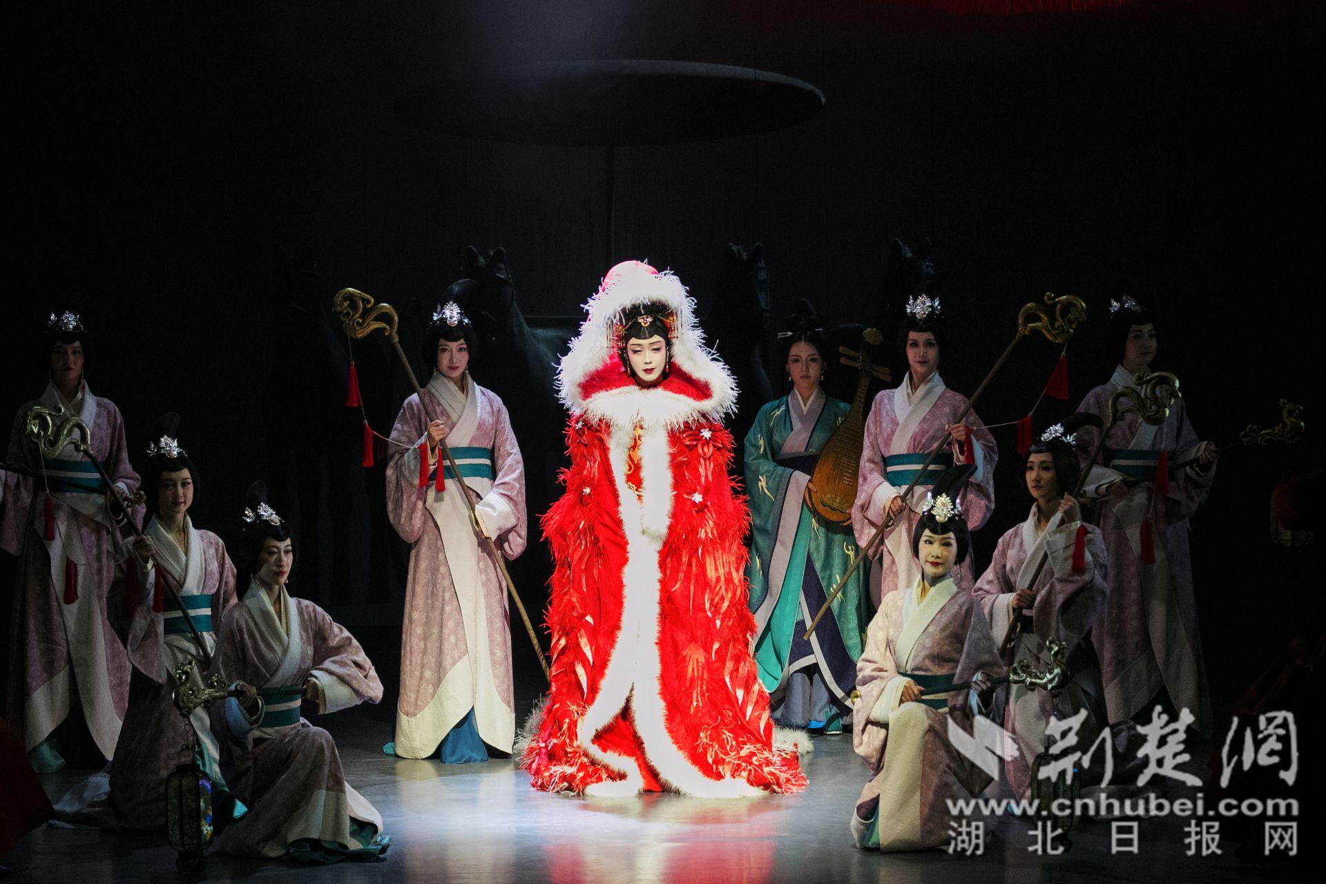 李玉刚诗意歌舞剧《昭君出塞》宜昌上演