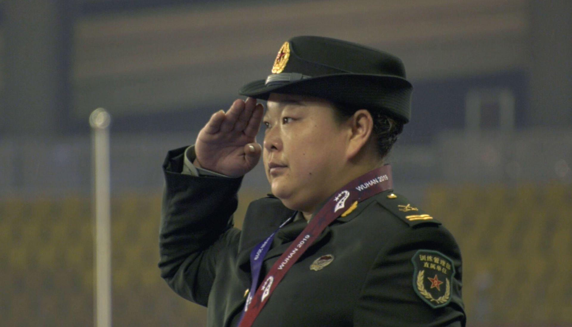 中国选手王铮获得女子链球冠军