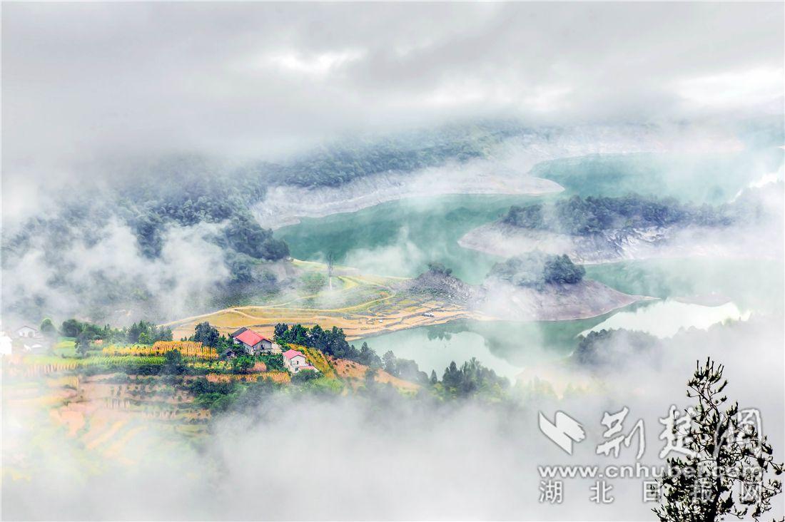 秭归磨坪乡:云上山乡的生态致富路