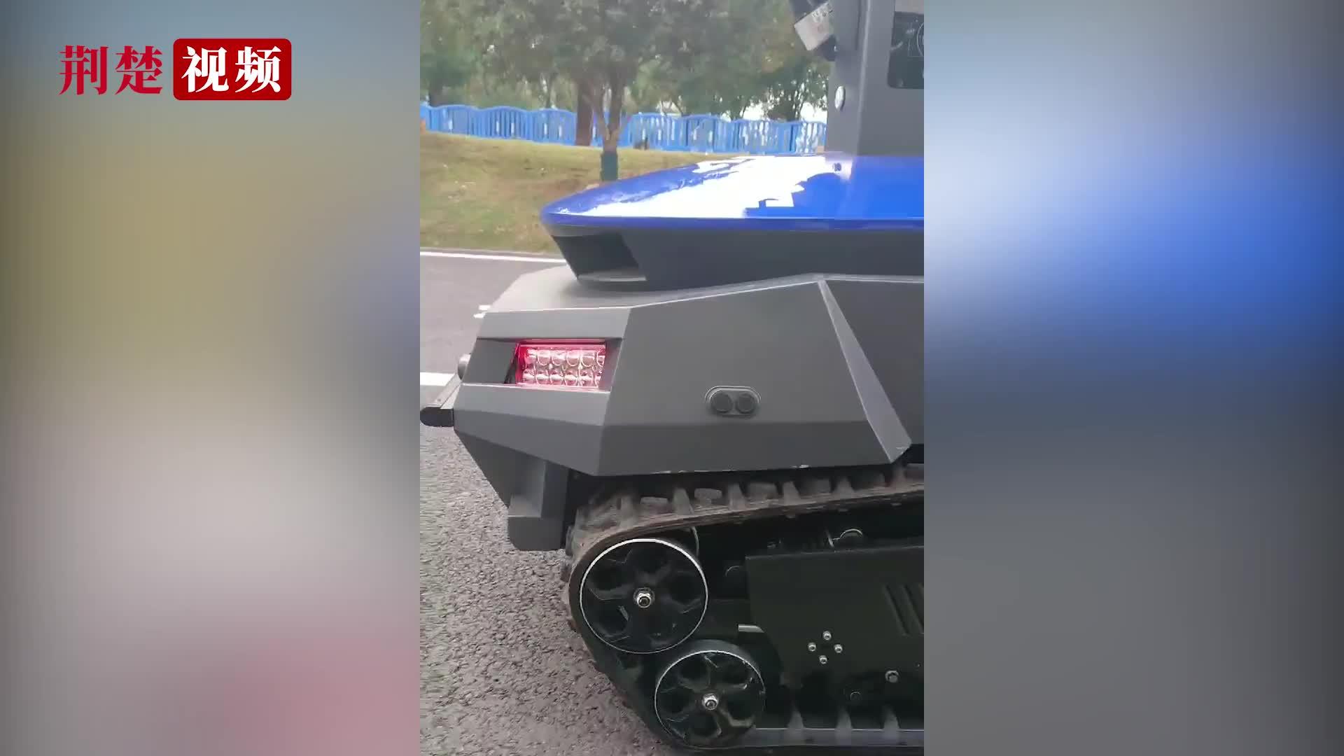 【军运vlog】机器人巡逻,军运硬核科技了解一下