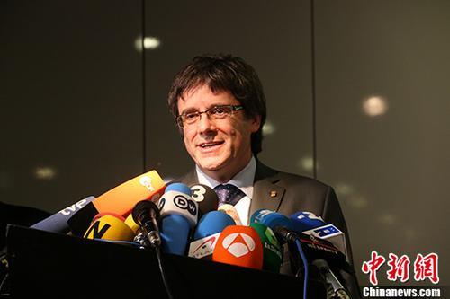 """""""西班牙发布国际通缉令 寻求引渡前加泰罗尼亚主席"""