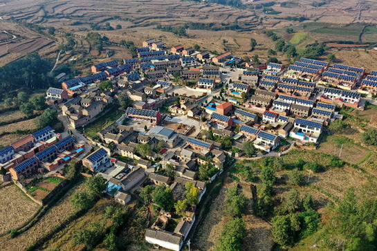 乡村屋顶光伏助力村民脱贫增收
