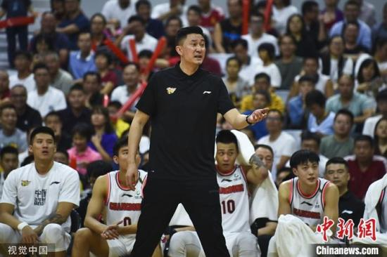 """李楠下課杜峰接任 中國籃球要""""換""""的不只主帥人選"""