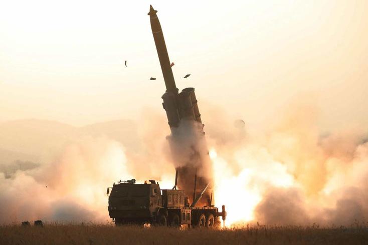 朝鮮宣布成功試射超大型火箭炮 金正恩極大滿意