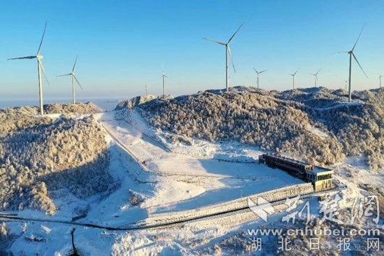 五峰国际滑雪场新一年滑雪季下月开启
