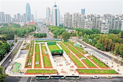 武汉东湖风景区梨园广场综合体主体完工