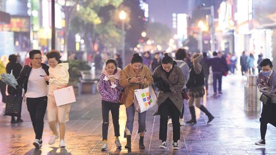 武汉一夜入冬
