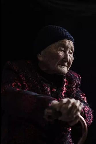 """""""南京大屠杀幸存者杨桂珍去世 终年102岁"""