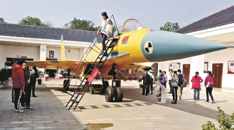 退役军人斥资千万元 在武汉蔡甸打造军事模型展览馆