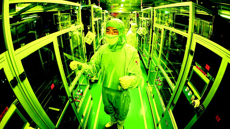 湖北企业成功制造0.15毫米超薄触控屏