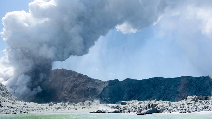 中驻新西兰大使馆:一名中国公民在火山喷发中受伤