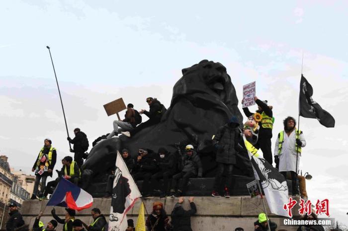 法國政府與工會談判未破僵局 大罷工恐將延續至明年