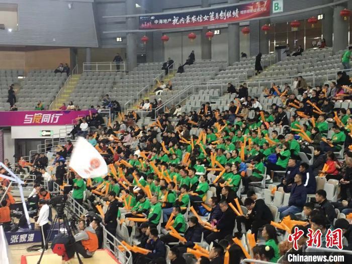 内蒙古农信女子篮球队主场83:80胜北京首钢女子篮球队