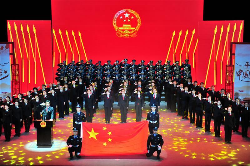 湖北省各地各部门举行宪法宣誓仪式