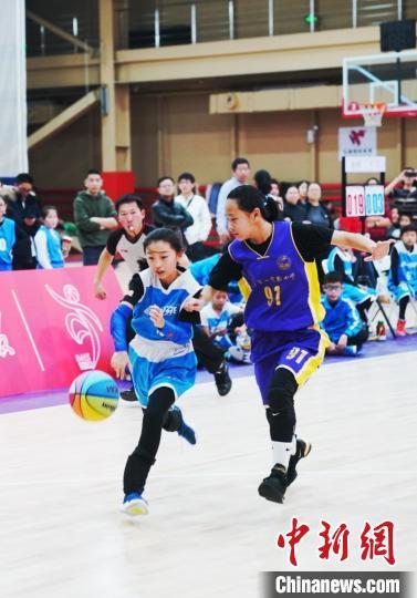 百队杯青少年篮球赛总决赛:让青少年享受篮球乐趣