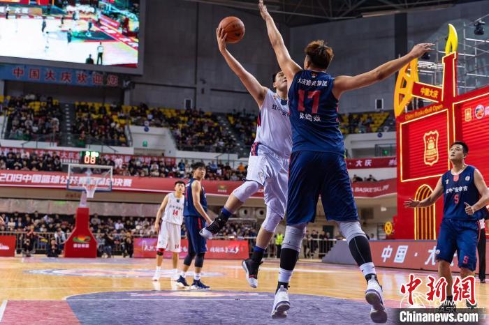 中国篮球公开赛全国总决赛在大庆举行 杭州好旺角队夺冠