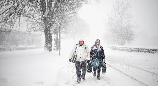 西班牙遭暴風(feng)雪襲擊(ji) 供電中斷多人死亡
