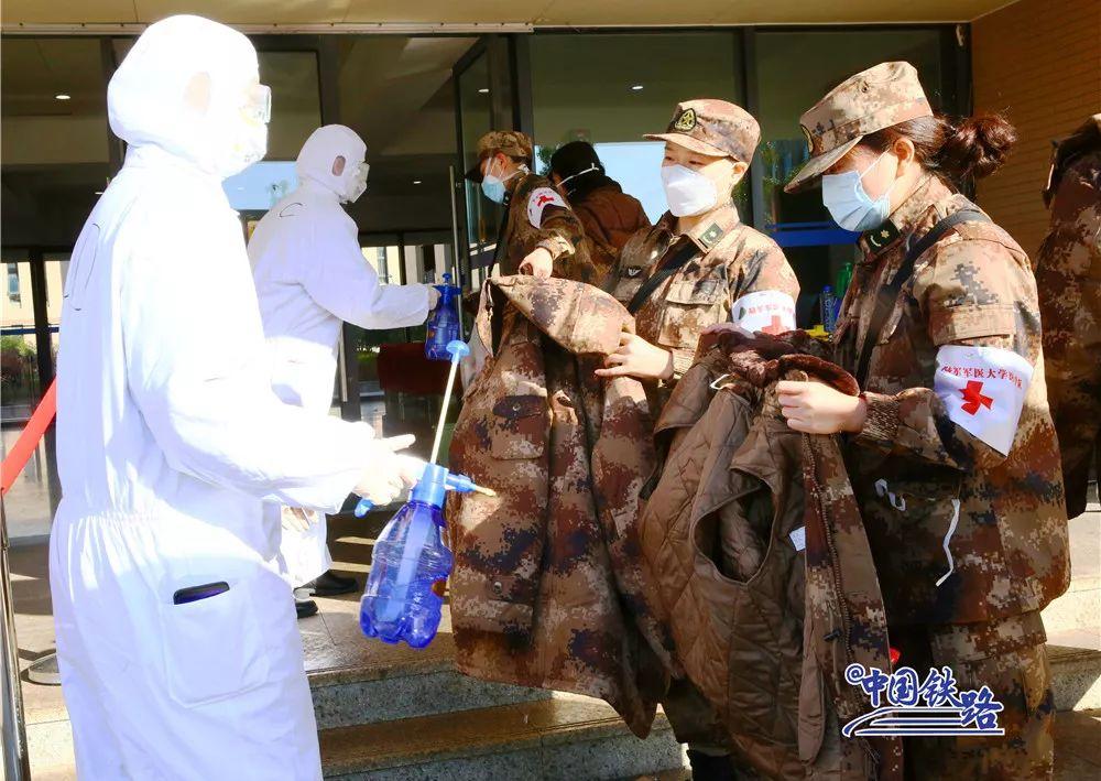 欢迎回家!军队医务人员入住高铁训练段
