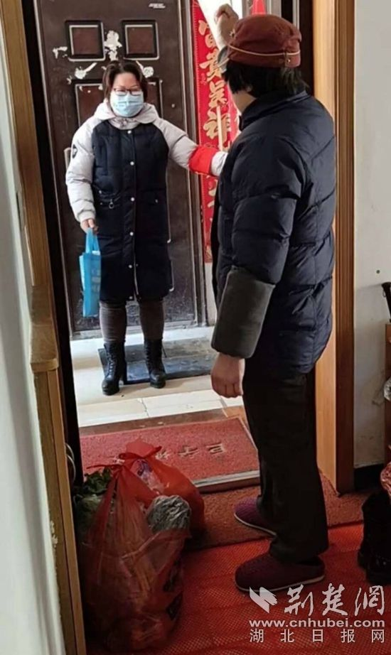 武穴烟草女稽查队员奋战疫情防控一线