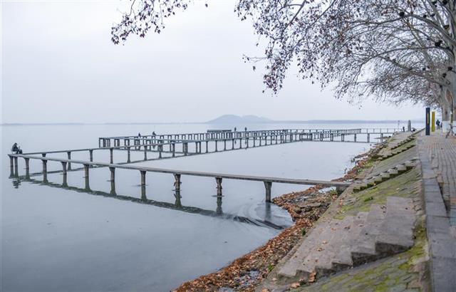 关闭离汉通道第十一日,网红地东湖凌波门是这样的