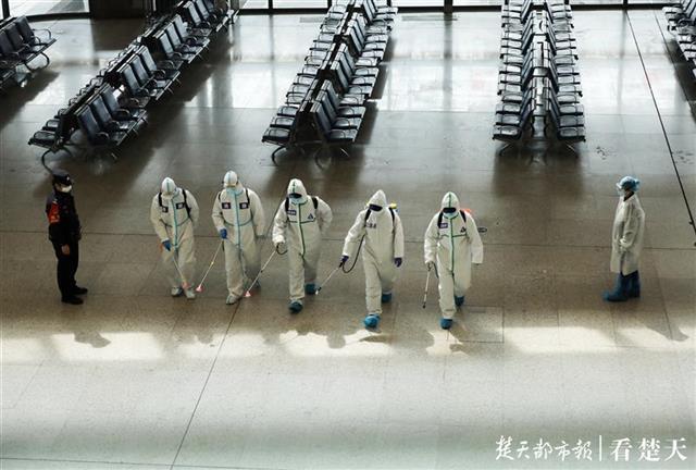 武汉火车站进行全面消杀