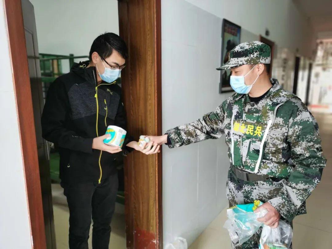 在武汉市蔡甸街,有这样一支军人志愿服务队(图3)